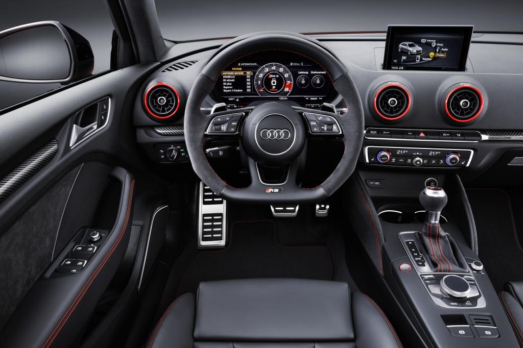 Audi RS 3 Limousine Cockpit